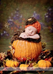fall-2014-thanksgiving-pumpkin-newborn-cable-hat-crochet-pattern-with-knitted-flower-photography-f69731